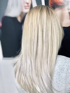 Balayage in hellen Blondtönen